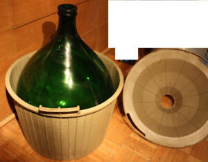 Wine Demijohn Carboy with Plastic Basket / Tourie vin *54Litres*