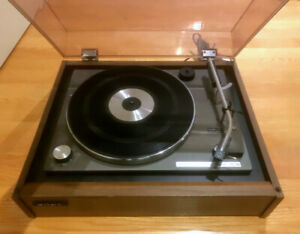 Sony PS-160 retro turntable beautiful wood base