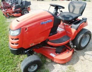 SIMPLICITY MOWER BLOW OUT SALE! BROADMOOR, COURIERS, REGENTS