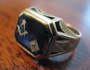 1950s Old Masonic 10K Gold Ring w/ .01 ct Diamond & Blue Stone