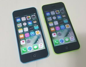 Two Apple iPhone 5C 8GB Telus Koodo Public Exceellent Condition