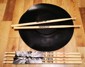 DRUM PRACTICE PAD AND STICKS ESSENTIALLY NEW