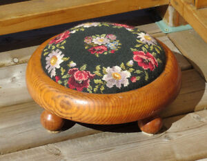 Needlepoint & Petitpoint Flower Wood FOOT STOOL