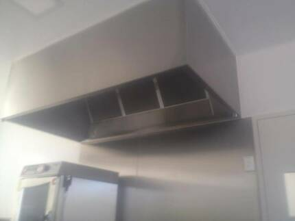 COMMERCIAL EXHAUST CANOPY 2.4M