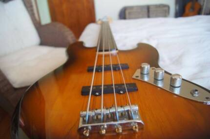 Fender Squier Vintage Modified Fretless Jazz Bass