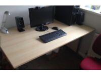 Large desk (no drawers)