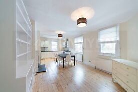 Three bed flat in White City