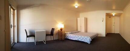 WALK TO STATION / UTS & SYDNEY UNI - FULLY FURNISHED-NEW CARPET