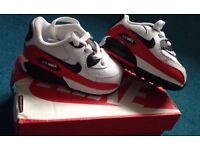 new* baby nike air max trainers