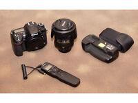 Nikon D7100 Camera & Grip, Nikon 18 to 200 /3.5-5.6 Mk11 lens Plus all accessories