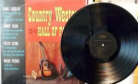 QUANTITY OF COUNRTY AND WESTERN VINYL LPs, VARIOUS ARTISTS.