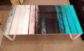 Glass & metal coffe table _ like new
