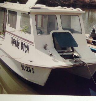 Houseboat, trailerable Sharkcat hull Ingle Farm Salisbury Area Preview