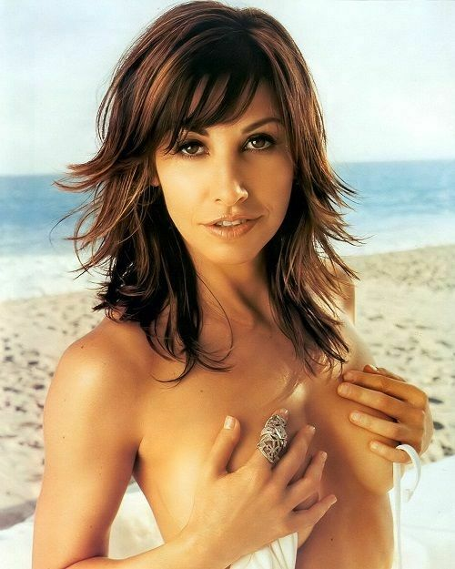 Gina Gershon Sexy Shirtless 8x10 Picture Celebrity Print