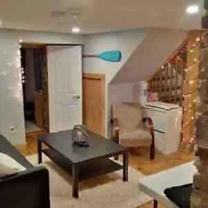 5 Bedroom Student Apartment For Rent near Queens and downtown