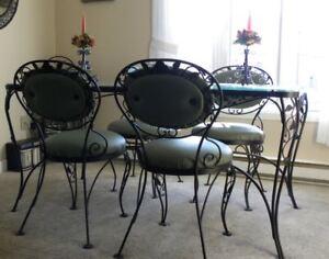 Magnifique table en fer forgé