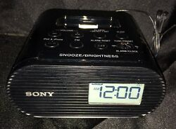 Sony ICF-C05IP Clock Radio 30-Pin Dock For iPhone iPod Speaker Dock Black