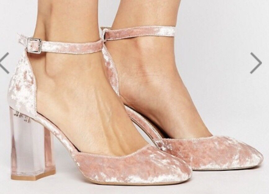 02c5772d09dd Beautiful baby pink ASOS Prima Donna velvet shoes with ankle straps and clear  block heels size 2.