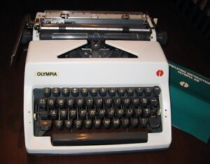 Mint Condition Olympia SM9 Portable Typewriter