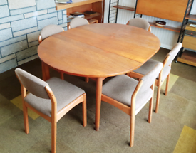 Retro Dining Table & Chairs - 122x120h cm (extended = 236cm)