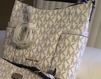 offering reward for Returned purse and wallet