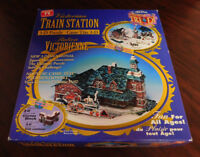 NEW IN THE BOX VICTORIAN TRAIN STATION 3-D PUZZLE
