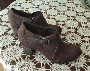 CLARKS ARTISAN Shoes - Size 5.5 - Brand NEW Retail $150