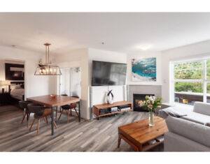 Executive Furnished Rental 2b/2b Available on the Drive!
