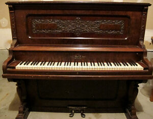 Antique Piano - Free