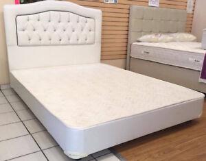 BED SET LEATHER DOUBLE WITH CHROME LEGS/ SET DE LIT DOUBLE CUIR
