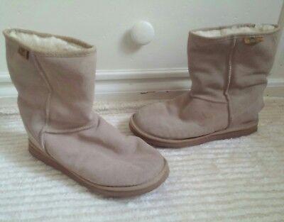 Emu Ridge Beige Sand Suede Leather Boots  Mens Size 7 Womens Size 8  Unisex