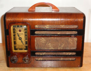Rogers Majestic Model 9R516 Radio