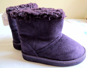 Brand new size 10 winter boots for girls
