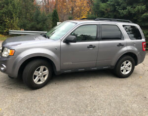 2008 Ford Escape Hybrid in excellent condition.