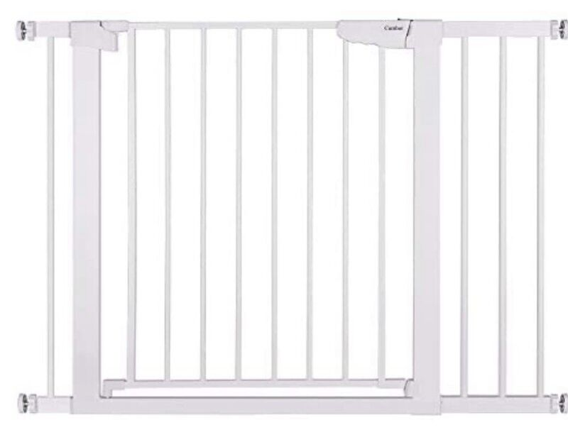 Cumbor 43.5 Inch AutoClose Safety Baby Gate - White Used Includes 3 Wall Cups !!