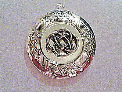 - IRISH Lovers KNOT PHOTO LOCKET silver on sterling 18