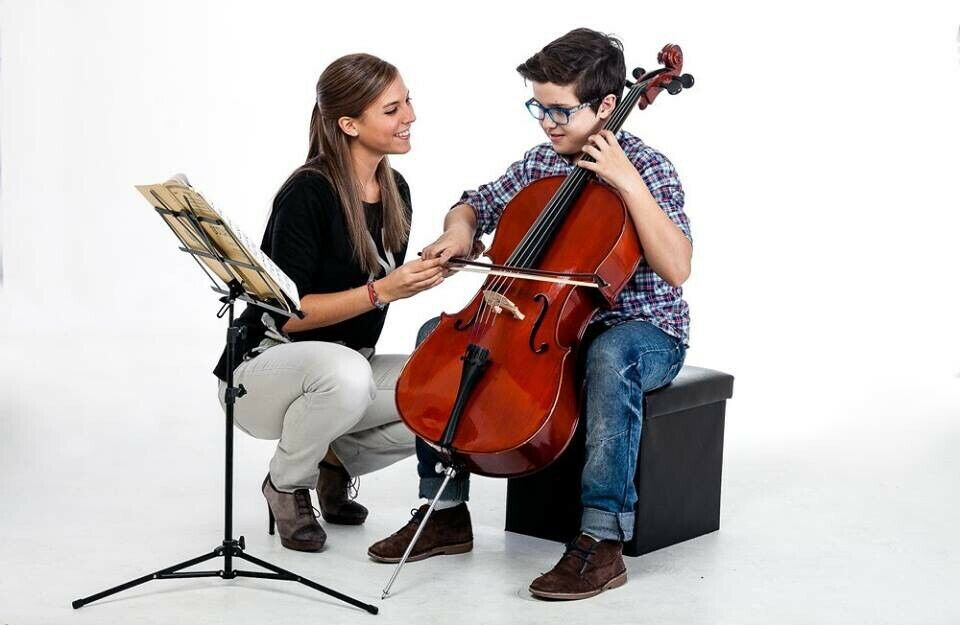Cello Unterricht Cello Lehrerin Düsseldorf in Düsseldorf