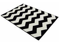 Black & White Chevron Geometric Rug