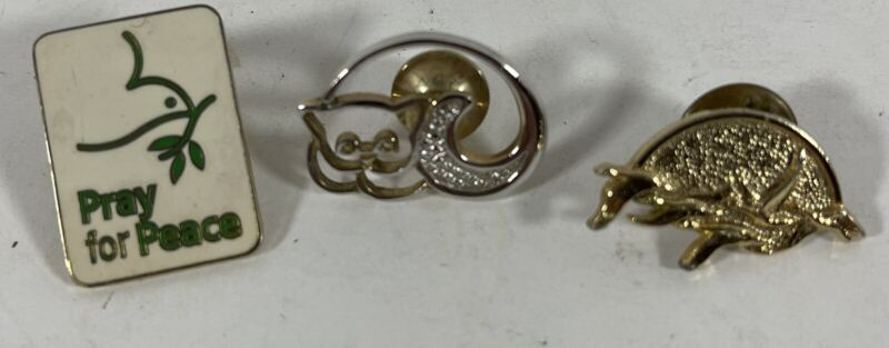 Vintage Lapel Pin Lot (3) Cat, Pray for Peace & Flock of Geese
