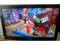Samsung 26 inchblcd TV with built in free view complete with remote control
