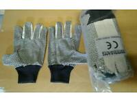 Brand new 10x pairs of builders gloves for only £5