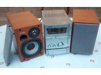 Sony Micro HI Fi System CMT - CPX1. CD and tape player with two speakers, in good working order
