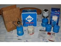 BOXED CAMPINGAZ DE LUXE SUPER BLEUET STOVE & 206L LANTERN LIGHT + SPARE MANTLE & GAS CAMPING COOKER