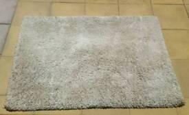2 x shaggy rug