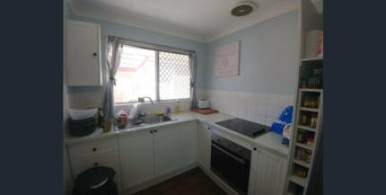 $300PW. SECURE 2X1 FULLY FURNISHED DUPLEX - PERFECT FOR A COUPLE