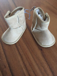 Joe Fresh new baby booties size 1 - bottines bébé taille 1