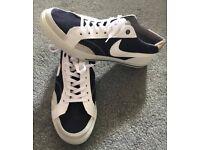 NEW Nike Shoes Size 8.5 UK