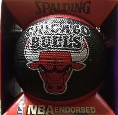 Pallone da basket Spalding in gomma - small ball misura 3 Chicago Bulls. Nuovo.