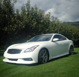 2009 Infiniti G37x Coupe (2 door)