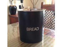 L❣❣K Black Tin Bread Bin VGC
